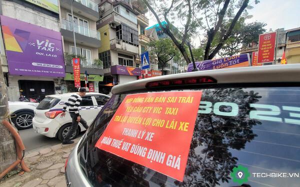 tai-xe-vic-taxi-bieu-tinh.jpg